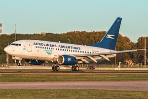 Aerolineas Argentinas Boeing 737-700 LV-BYY