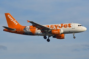EasyJet Airline Airbus A319 G-EZBI