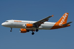 EasyJet Airline Airbus A320 G-EZUA