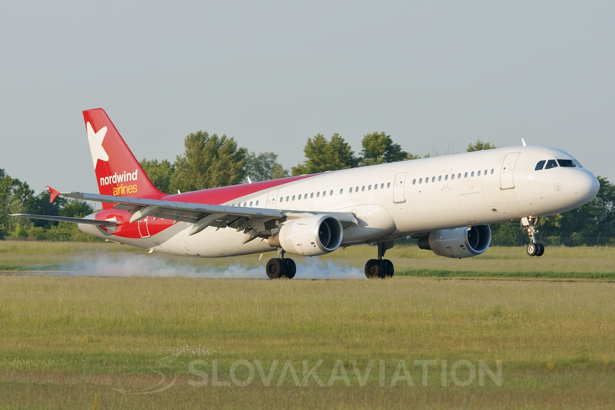 Nordwind Airlines A321 VQ-BOE_1