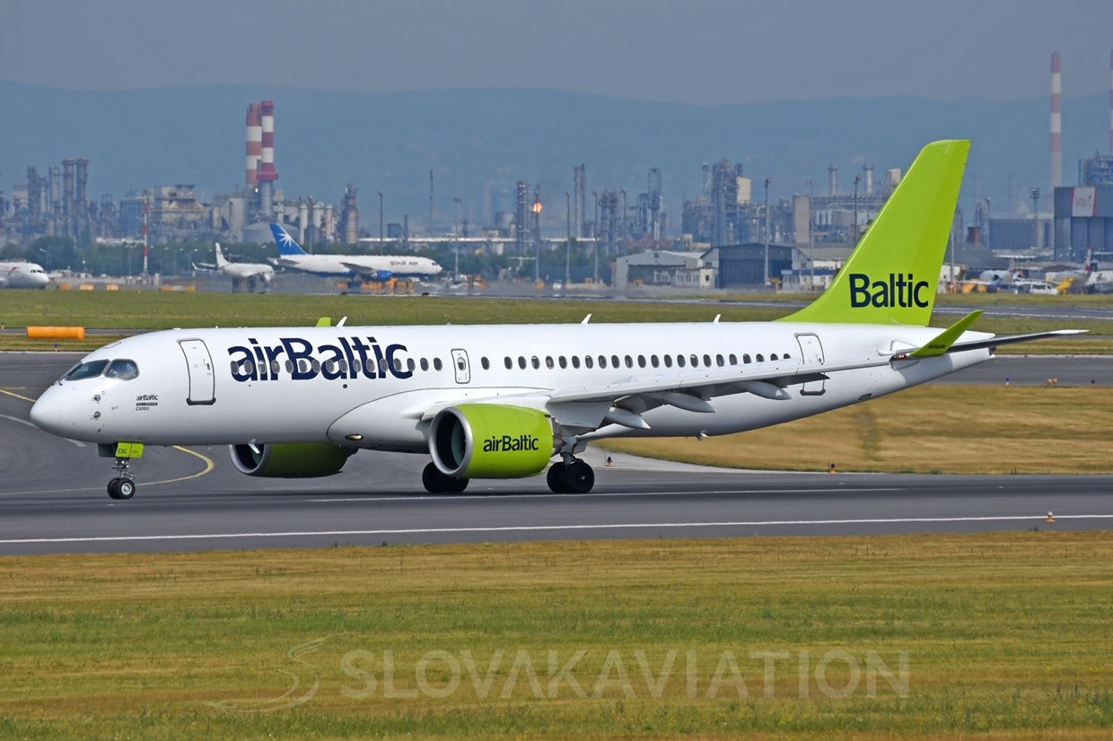 Air Baltic Bombardier CS300 YL-CSC