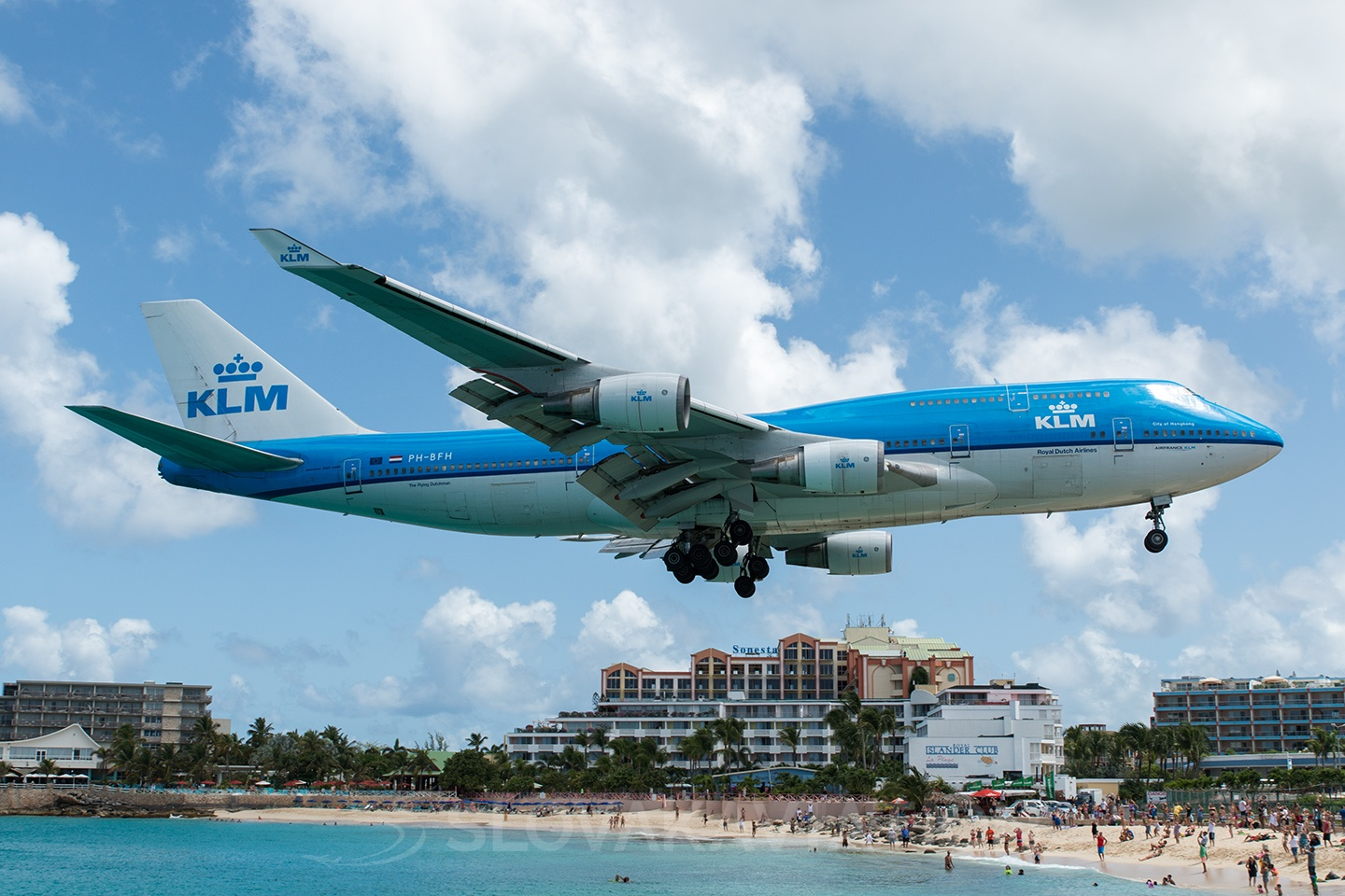 KLM - Royal Dutch Airlines Boeing 747-400 PH-BFH