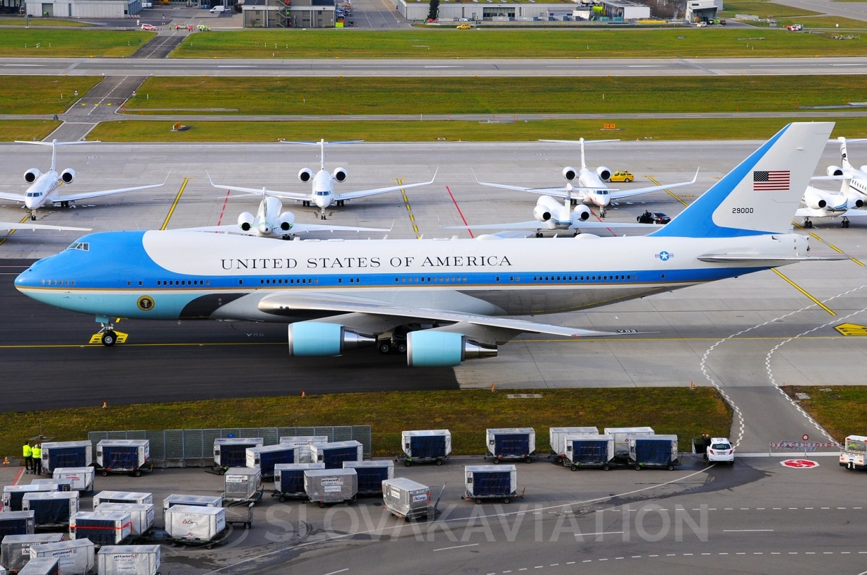 USA - Air Force Boeing 747-200 92-9000