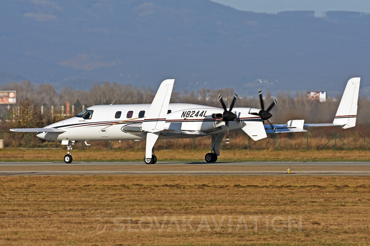Private Beech 2000 Starship 1 N8244L