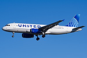 United Airlines Airbus A320 N412UA