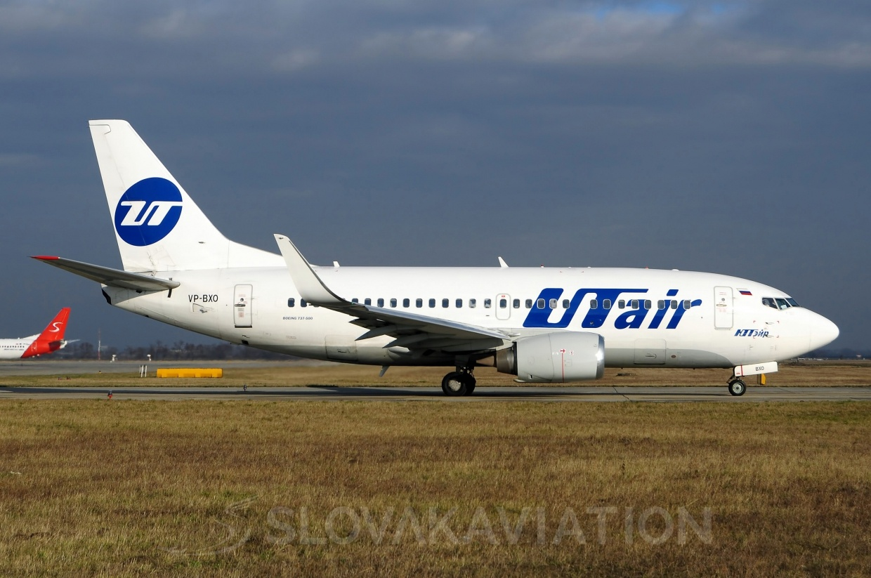 B737-500 UTair VP-BXO_1