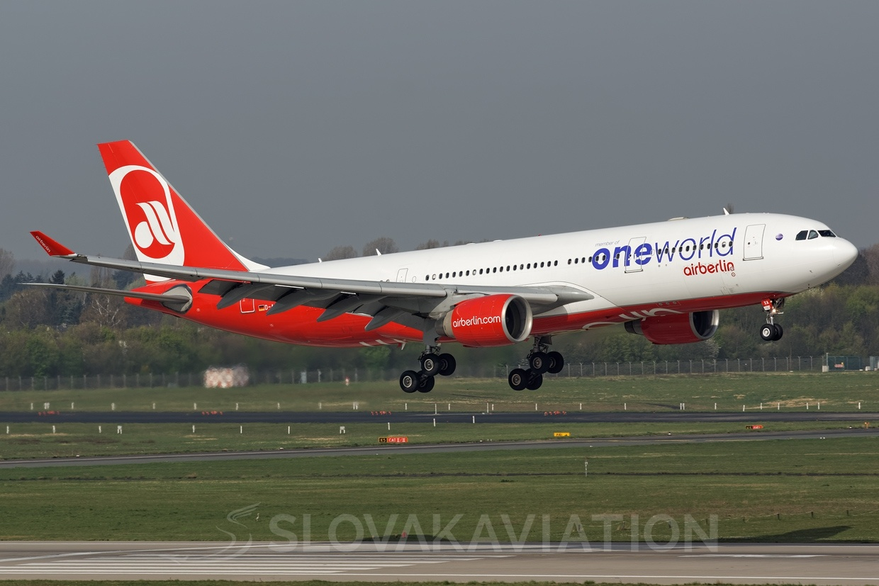 Air Berlin A330-200 D-ABXA_1