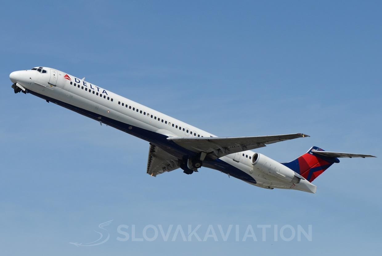 Delta Airlines MD88_1