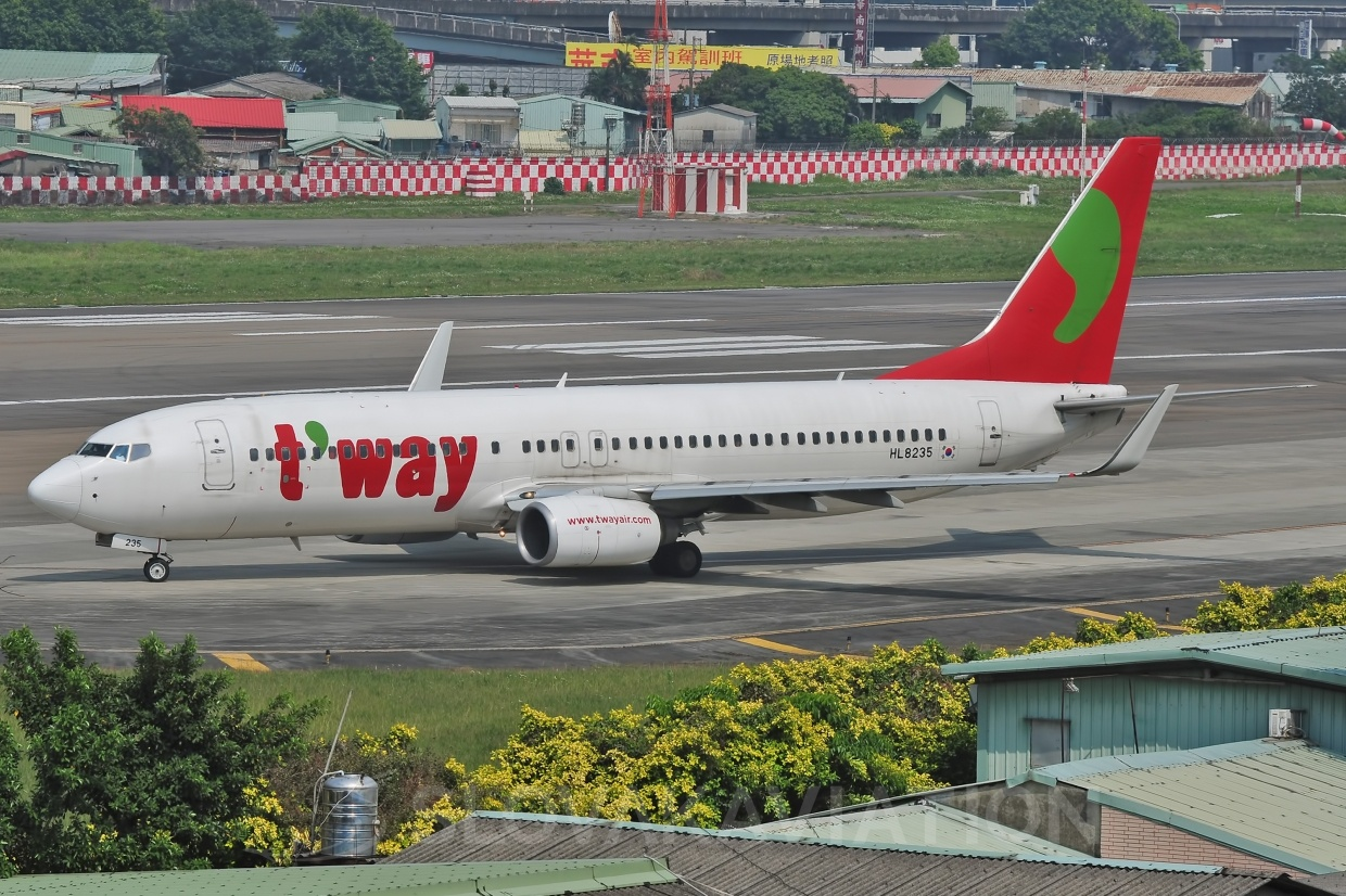 B737-800 T´way Airlines HL8235