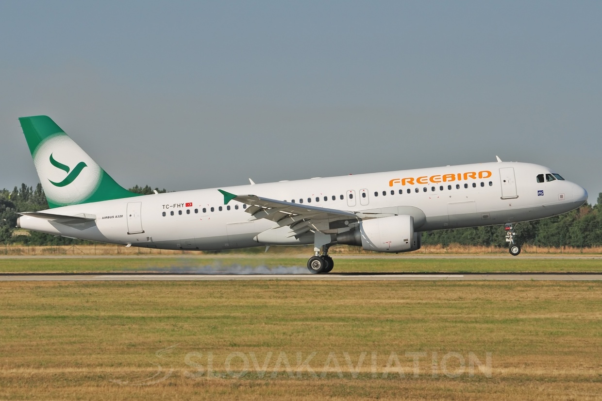 A320 Freebird Airlines TC-FHY