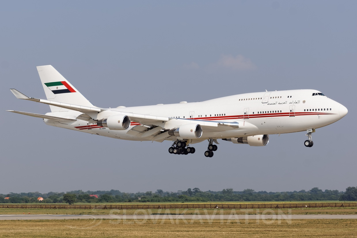Dubai Air Wing B747-400 A6-MMM