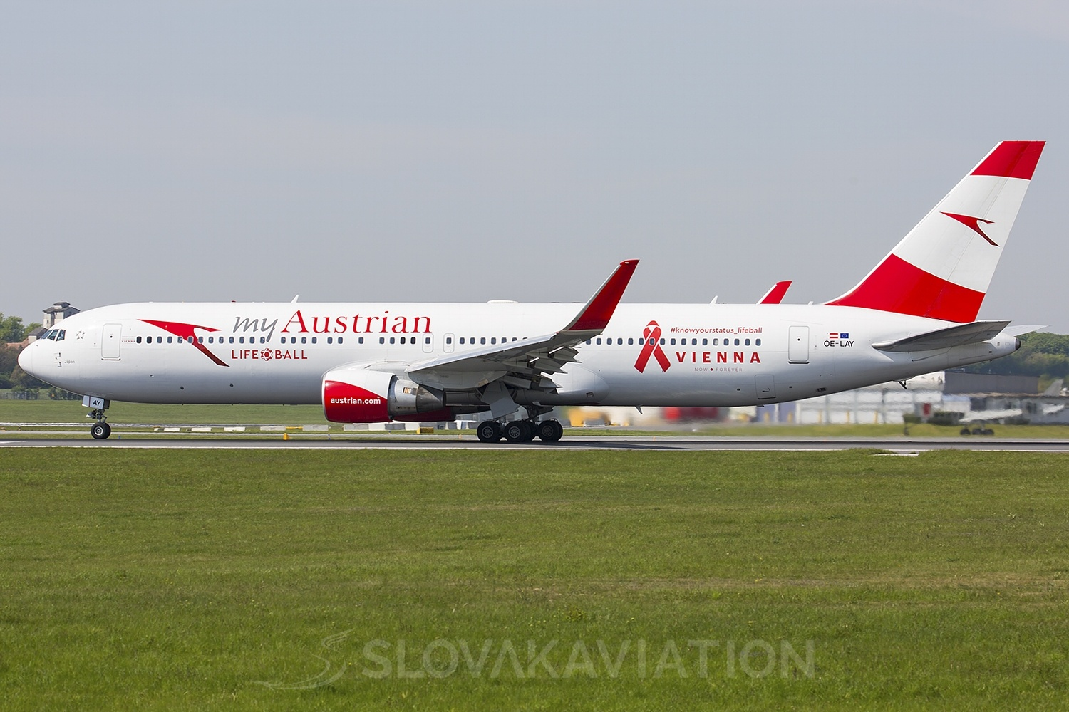 Austrian Airlines Boeing 767-300 OE-LAY