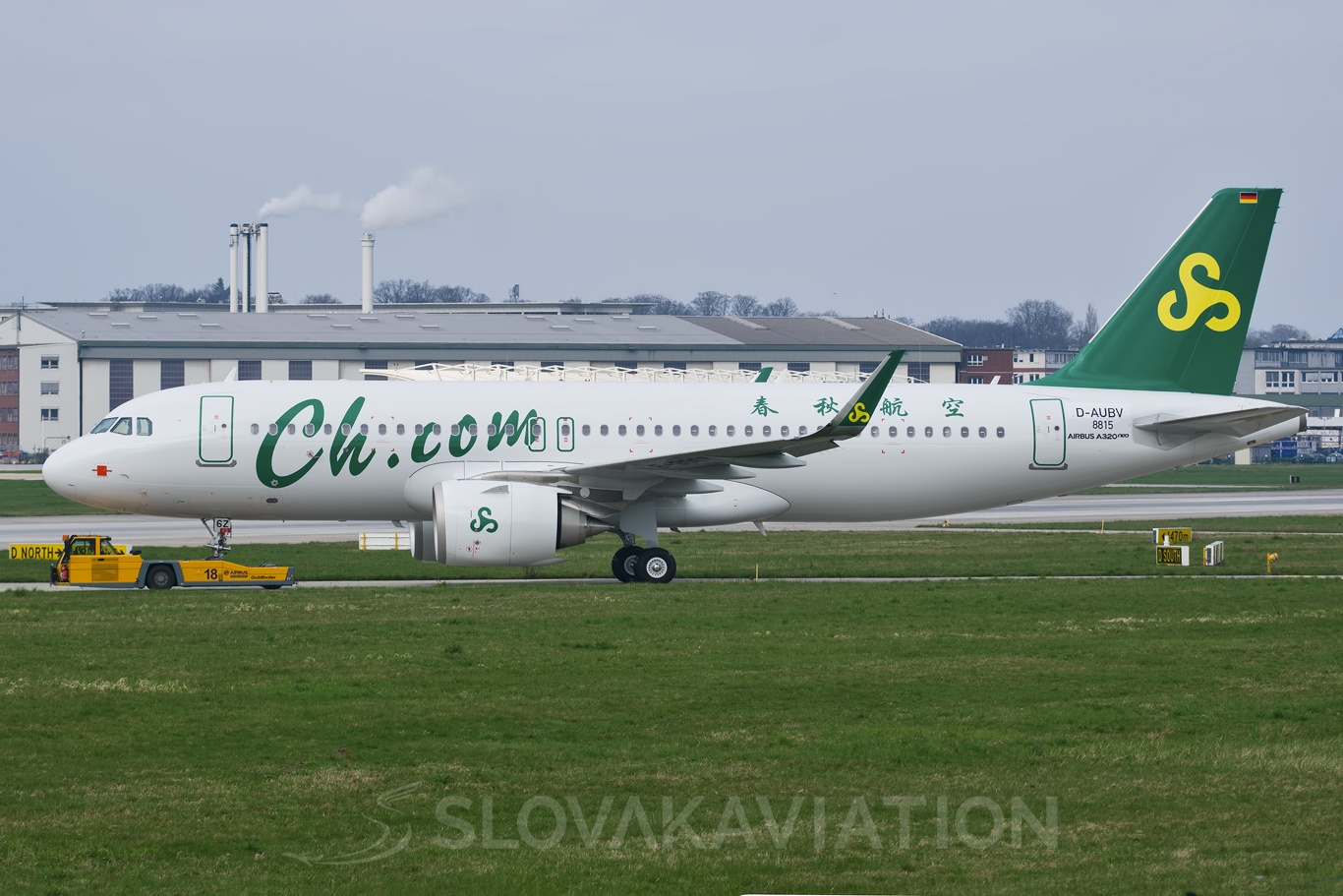Spring Airlines Airbus A320 D-AUBV