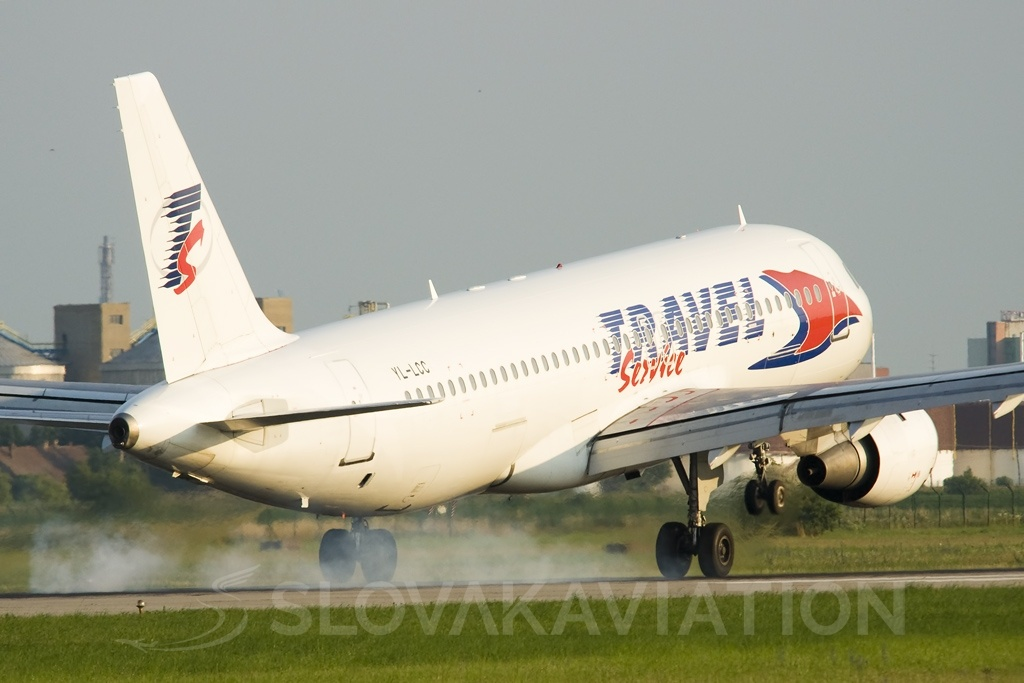 Travel Service A320 YL-LCC_1