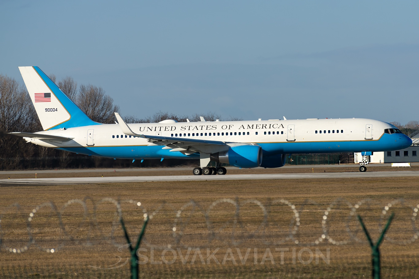 USA - Air Force Boeing 757 99-0004