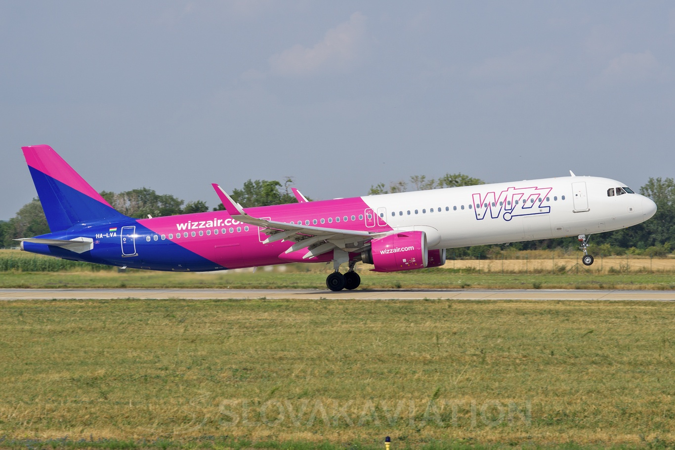 Wizz Air Airbus A321 HA-LVA