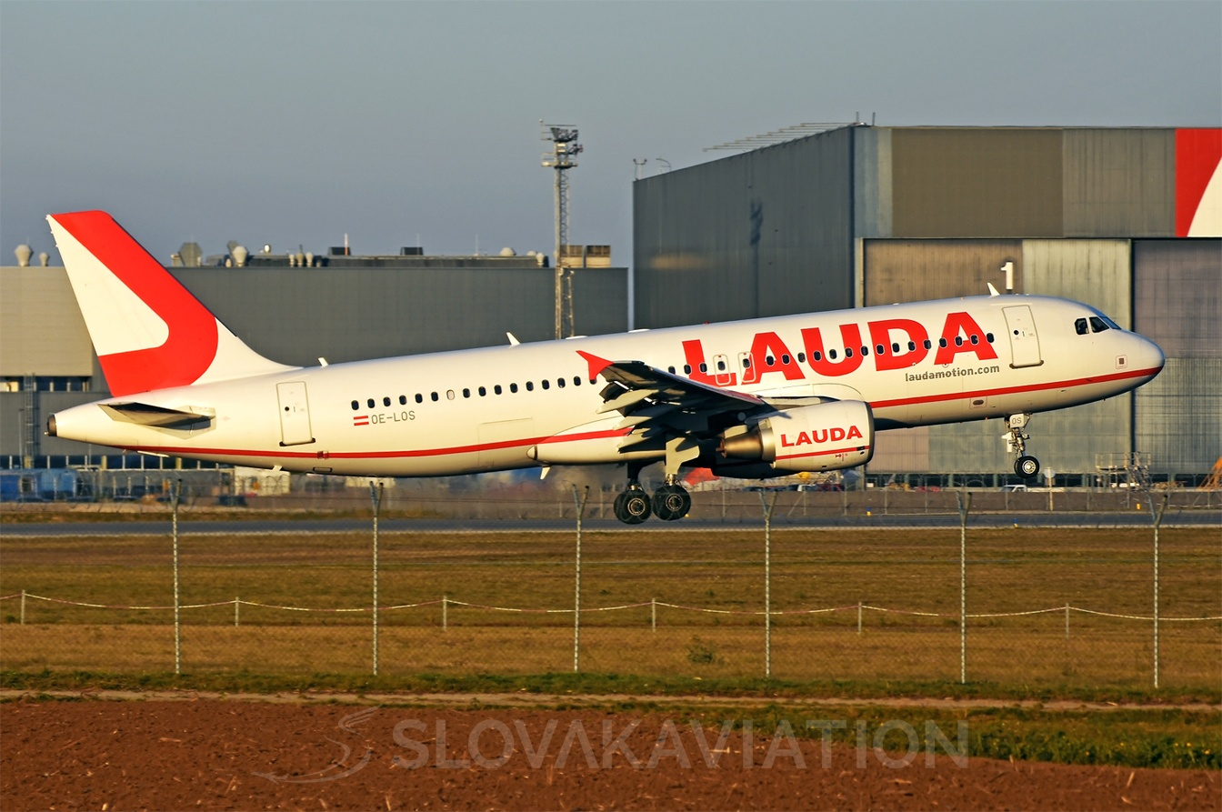 Laudamotion Airbus A320 OE-LOS
