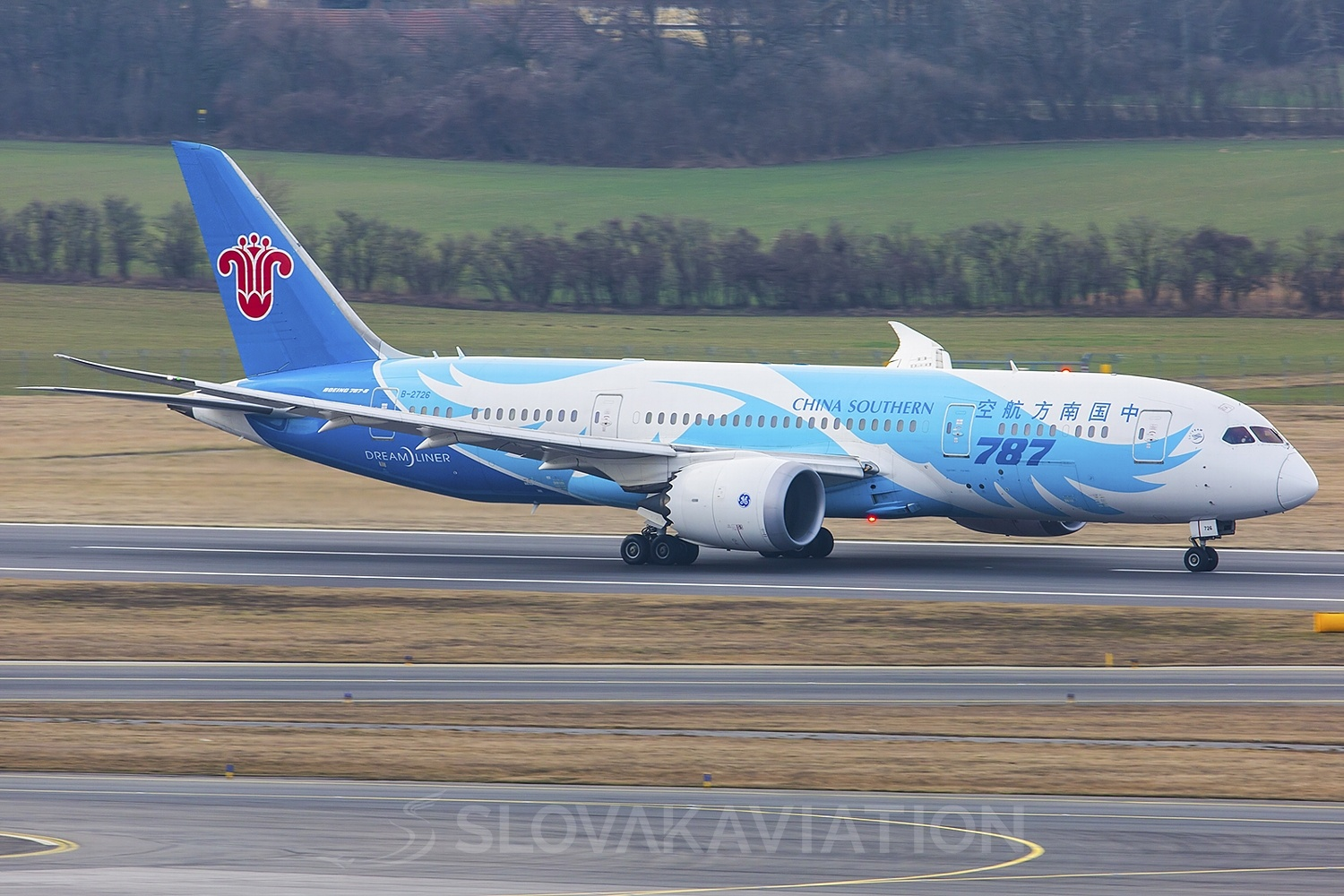 China Southern Airlines Boeing 787-8 B-2726
