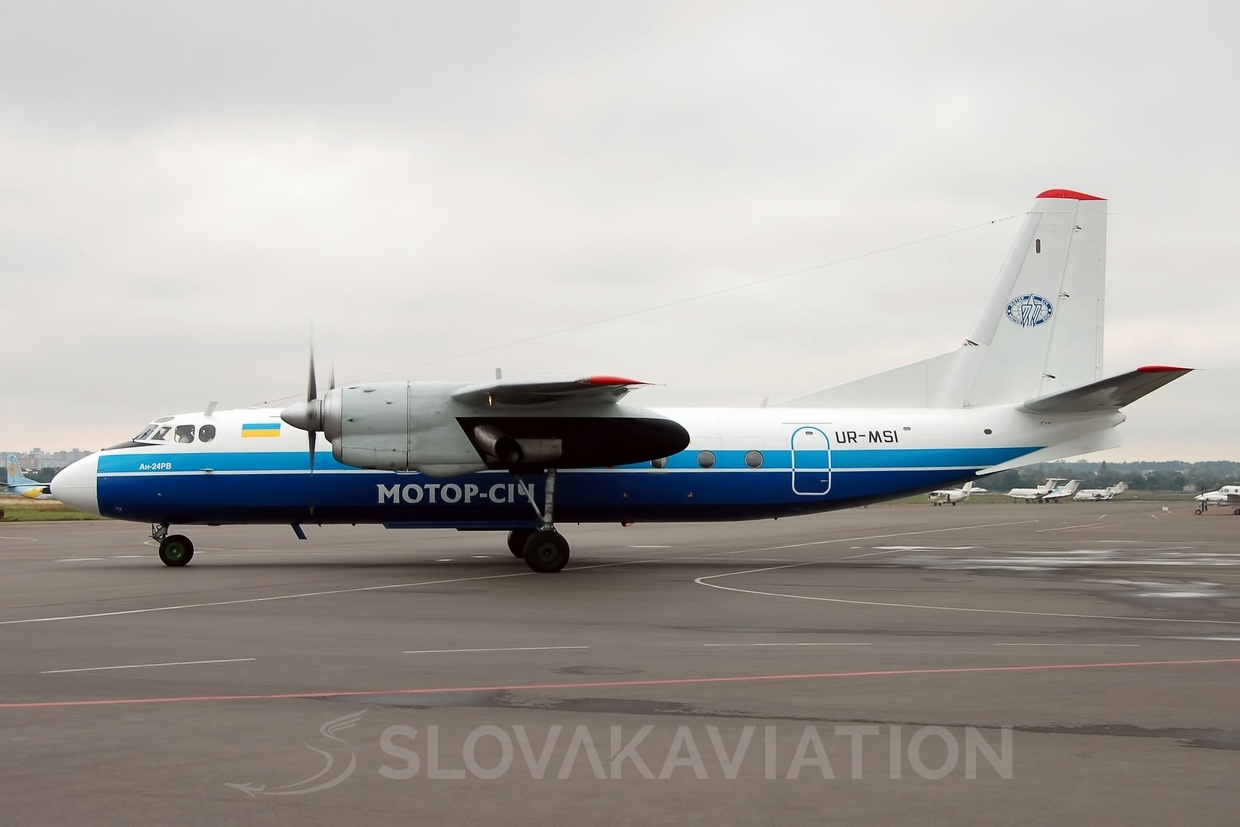 AN24 Motor Sich Airlines UR-MSI_1