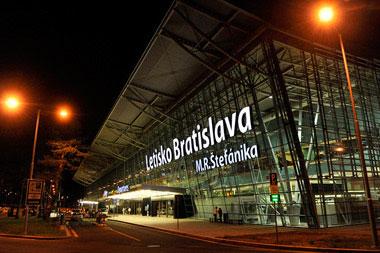Bratislavské letisko kvôli rekonštrukcii uzavrie dráhu